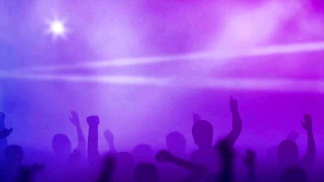 时尚震撼的演唱会举手视频素材