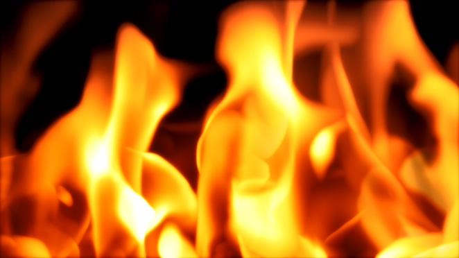 熊熊大火燃烧似舞蹈的视频素材