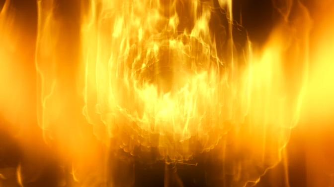 大火烧出金黄色火焰的视频素材