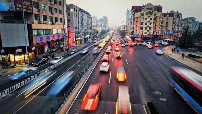 高清镜头下的城市车流拥挤实拍视频