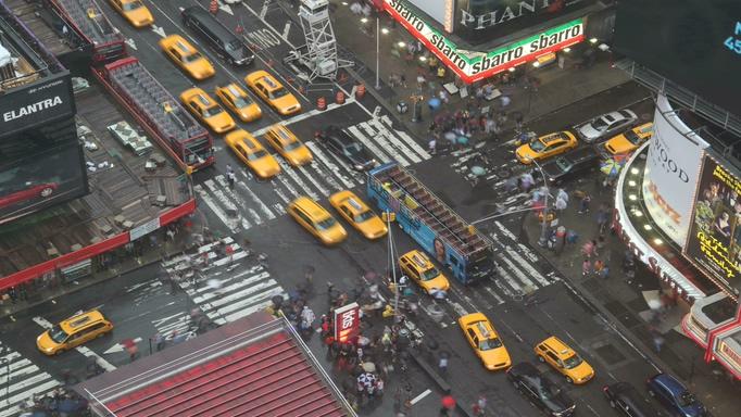 航拍城市汽车交通拥挤实拍视频