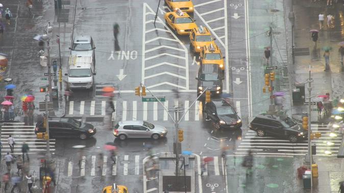 延迟拍摄城市交通发展的实拍视频