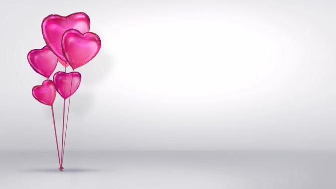 浪漫爱心气球边框的视频素材