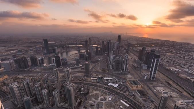 唯美梦幻的日出照亮城市的实拍视频