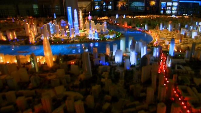 上海夜间城市的霓虹灯视频素材