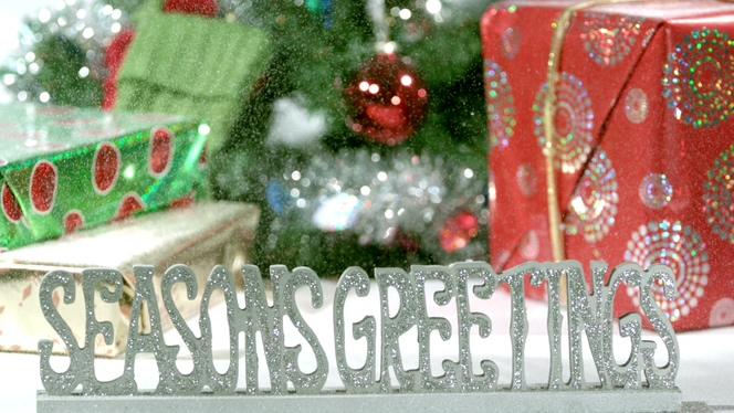 雪花飘落喜迎圣诞节的视频素材