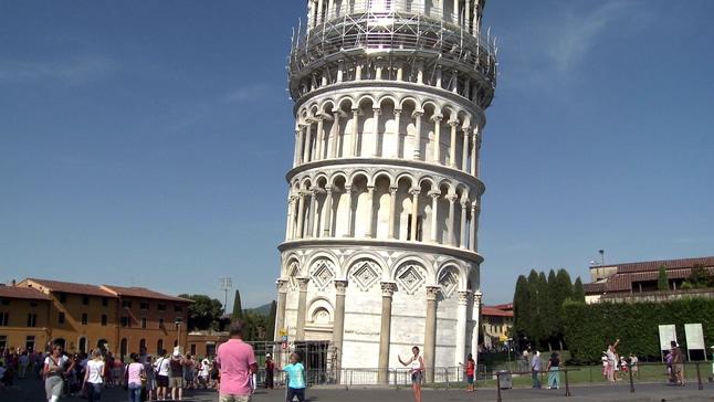 雄伟壮观的比萨斜塔全景实拍视频