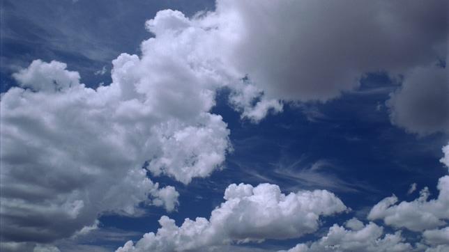 唯美梦幻的彩云移动实拍视频