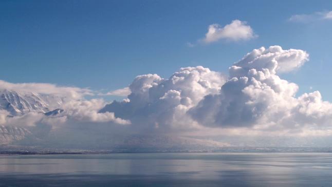 气势磅礴的云彩翻滚实拍视频